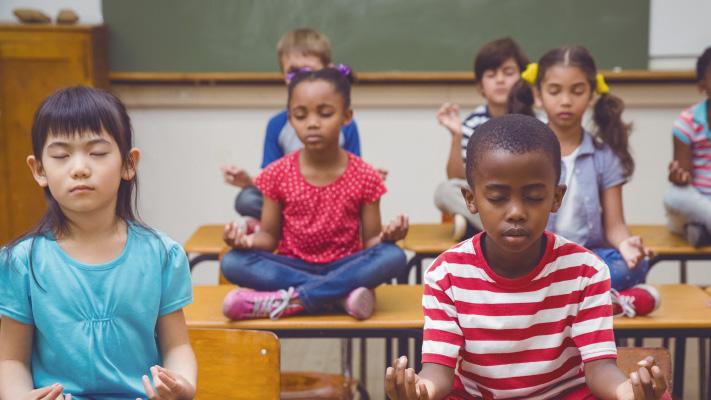cours de Yoga des Yeux à l'école